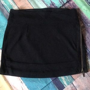 Costa Blanca Mini Skirt. Size 2
